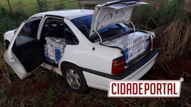 Motorista foge de Polícia Militar e abandona veículo com cigarros contrabandeados do Paraguai