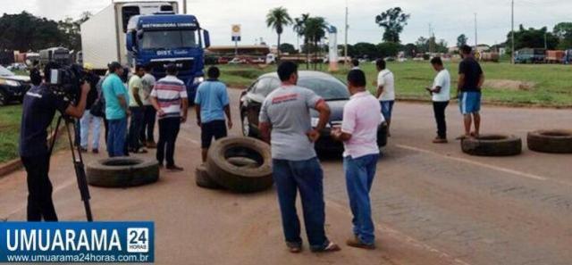 Caminhoneiros liberam rodovias em Mato Grosso após 5 dias de protesto