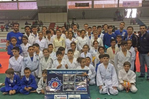 Judô Mourãoense traz título do Torneio Regional em Umuarama