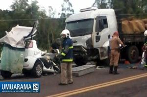 Colisão na PR 323 entre Umuarama e Lovat deixa duas vítimas fatais