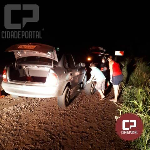 Polícia Rodoviária Estadual presta apoio à motorista com pneu danificado