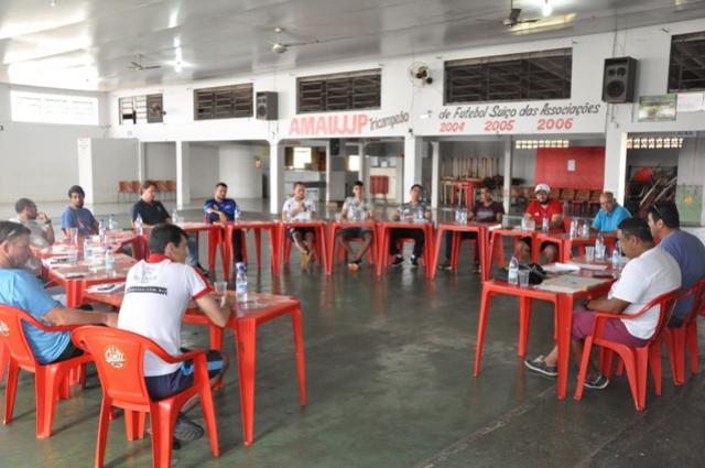 Reunião define estrutura para a 1ª Copa Regional de Categorias de Base em Assis