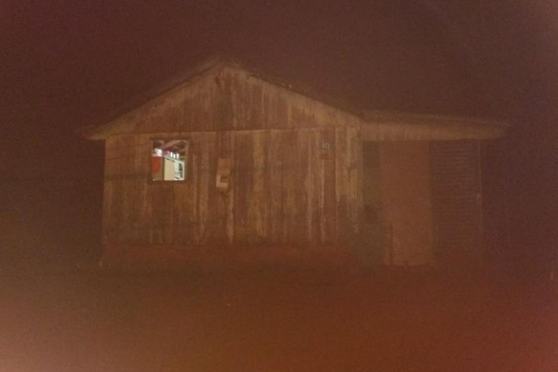 PM de Mamborê salva vida de homem evitando que o mesmo morresse sufocado por fumaça dentro de residência