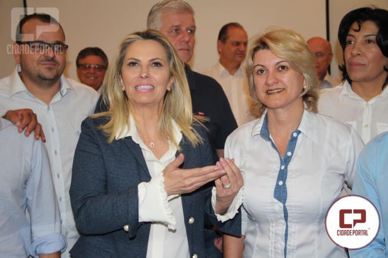 Angela recepciona governadora na Comcam  e destaca parceria do PR com municípios