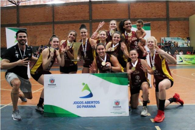 Ponta Grossa levanta o troféu de campeão no basquete dos  61º JAPS