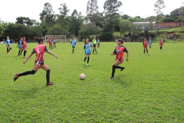 JEPS Bom de Bola: Título do feminino B fica com Luzia Villar em Ubiratã