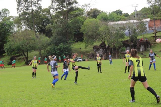 Disputa segue aberta na categoria A dos JEPS Bom de Bola em São Mateus do Sul
