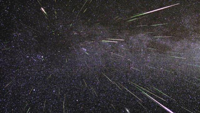 Astrônomos brasileiros amadores descobrem chuva de meteoro