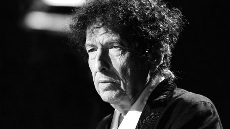 Bob Dylan recebe o prêmio Nobel de Literatura