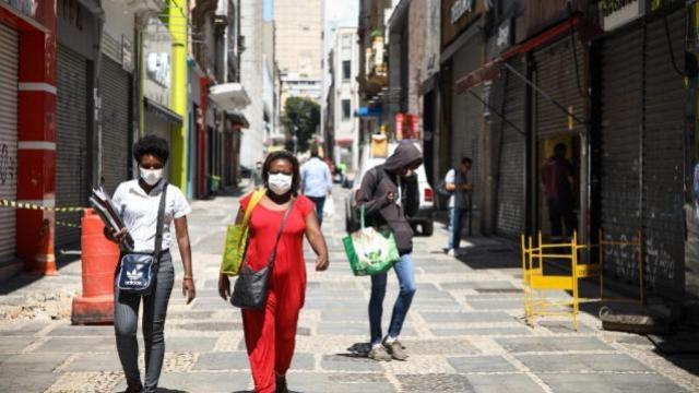 PUC e Fiocruz estimam 41 mil casos de coronavírus no Brasil até dia 20