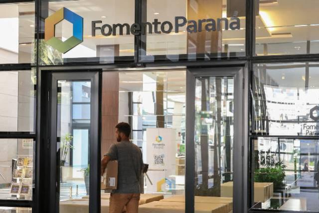 Fomento Paraná atinge a marca de 50 mil clientes ativos