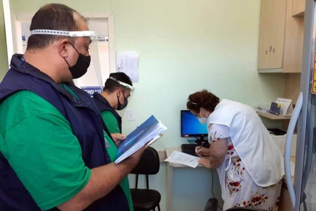 CGE volta à estrada para verificar distribuição de vacinas e merenda escolar