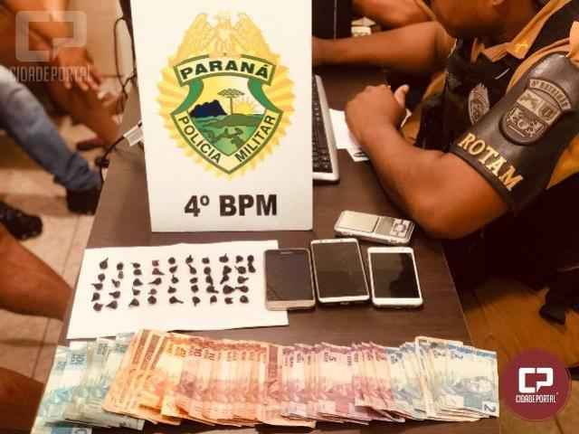 PM de Maringá realiza apreensão de drogas e encaminha sete pessoas a Delegacia de Polícia
