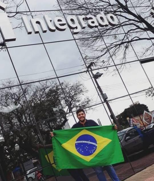 O jovem goioerense Fábio Plaza esta participando de um Concurso Universitário Estadual através do Facebook
