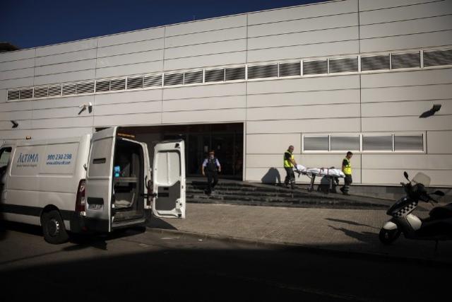 Homem que atacou delegacia na Espanha passava por crise emocional, diz advogado