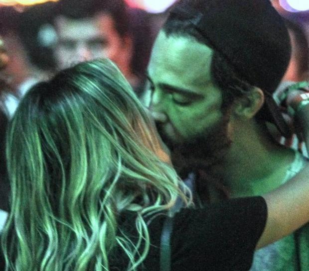 Thiago Rodrigues beija muito no Rock In Rio