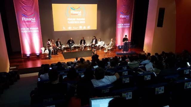 Fórum Paraná Turístico debate metas para inovação na área até 2026