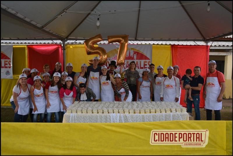 Pela primeira vez Paraná do Oeste canta os parabéns à Moreira Sales
