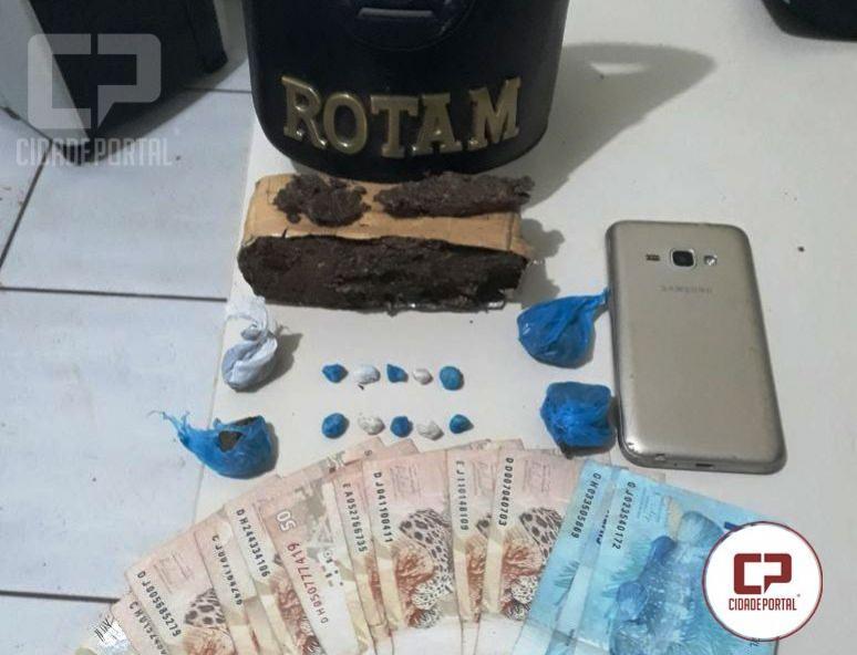 Rotam da 2ª CIA de Ubiratã prende uma pessoa acusada de tráfico de drogas em Campina da Lagoa