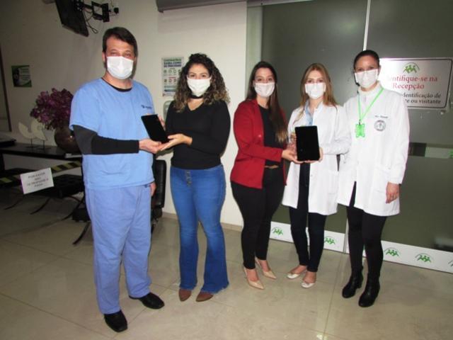 Jovens de Douradina doam tablets para UTI do Instituto Nossa Senhora Aparecida de Umuarama