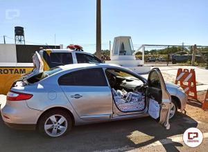 Equipe Rotam da PRE 3ª CIA apreende veículo carregado de cigarros contrabandeados em Iporã