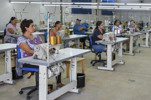 Economia reage ao coronavírus e mantém contratação de trabalhadores em Umuarama