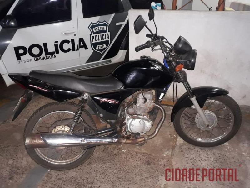 Polícia Militar da Equipe Rocam  de Umuarama recupera motocicleta logo após o furto