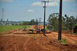 Patrulha mecanizada avança na readequação da Estrada Canelinha em Umuarama