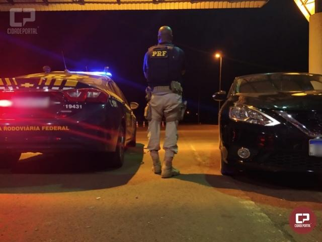 PRF recupera em Guaíra carro roubado na cidade de São Leopoldo/RS