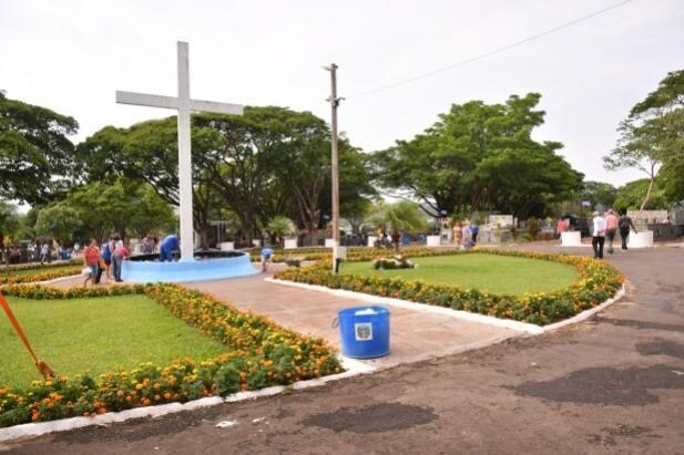 Cemitério de Umuarama terá visitação liberada no domingo, Dia das Mães
