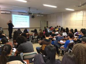 Inspetor da Guarda Municipal leva palestra sobre trânsito a escolas de Umuarama