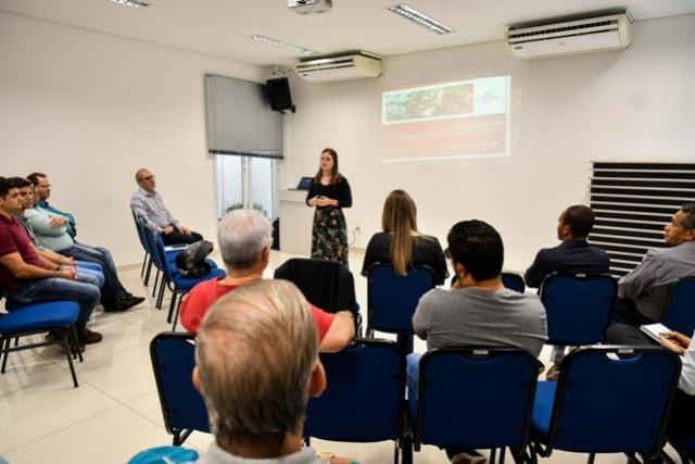Encontro debate a regionalização do turismo e apresenta relatório estratégico em Umuarama