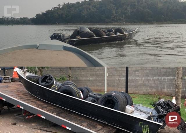 Embarcação carregada com pneus contrabandeados foi apreendida durante Operação Hórus em Guaíra