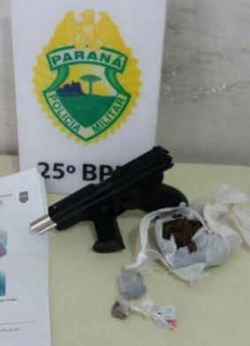 Equipe Rotam de Umuarama prende homem com entorpecente e simulacro de pistola no Conjunto Sonho Meu