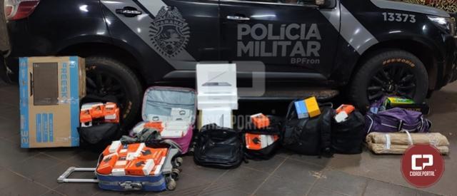 BPFron apreende produtos estrangeiros em ônibus durante Operação Hórus em Perobal