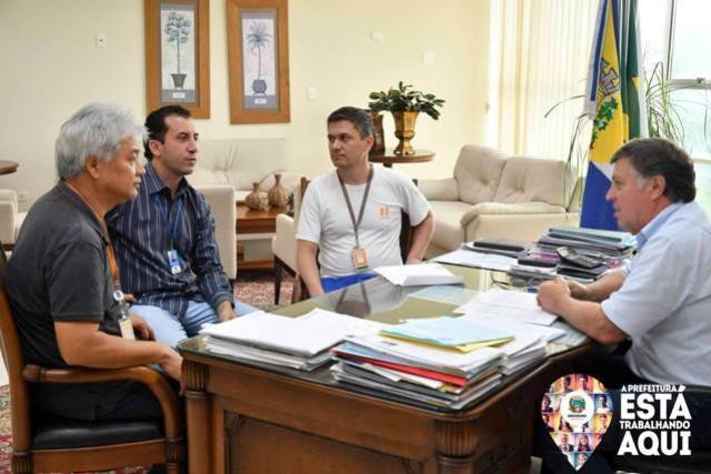 Prefeitura de Umuarama firma parceria com Copel para implantar horta comunitária