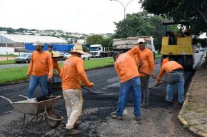 Prefeitura licita em abril mais de R$ 2,7 milhões em recapeamento