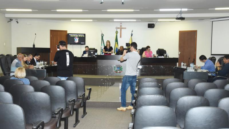 Primeira sessão ordinária de Maio teve nove matérias em pauta