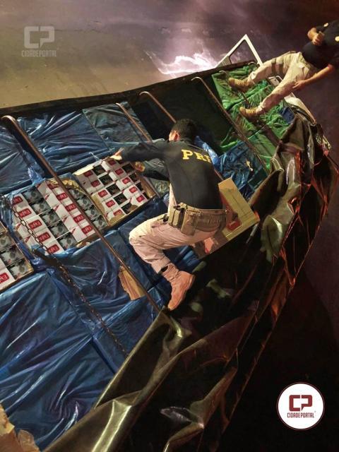 PRF apreende R$ 1,5 milhão em cigarros contrabandeados na Ponte Ayrton Senna, em Guaíra-PR