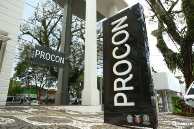 Procon Municipal firma parceria com a Caixa para renegociar dívidas de clientes em Umuarama
