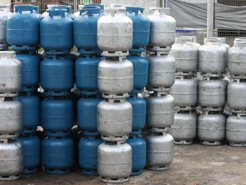 Botijão de gás varia entre R$ 65 e R$ 80 em Umuarama