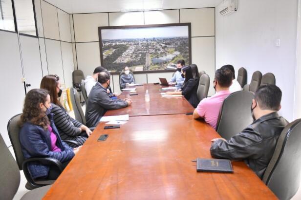 Procuradoria-Geral do Município orienta equipe da Saúde sobre contratos e licitações