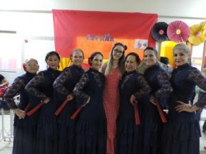Grupo Arte Flamenca Sênior prestigia Feira Cultural na Escola Adventista