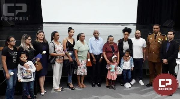 Ana Novais e Deybson Bitencourt se  encontram com a Família do Soldado Damião
