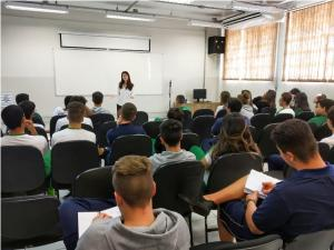 Prevenção da violência à mulher se estende a alunos da rede estadual de Umuarama