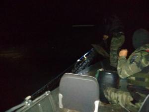 Polícia Ambiental apreende materiais predatórios e embarcação no Rio Ivaí em Icaraíma