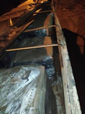 Carreta carregada com 32 toneladas de produto corrosivo foi apreendida em Querência do Norte