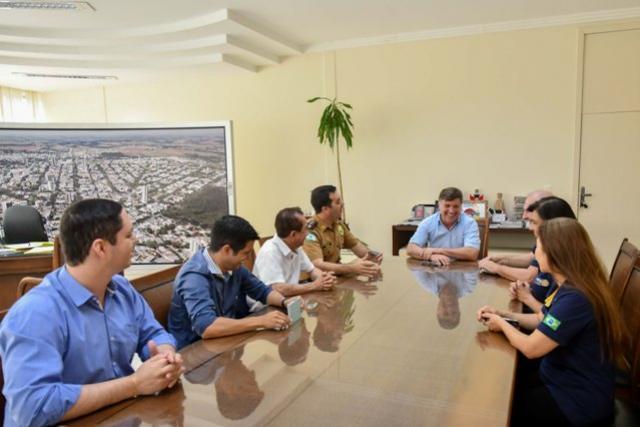 Organizadores da Festa do Leitão à Pururuca convidam o prefeito de Umuarama