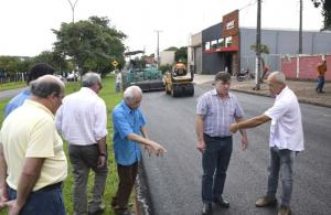 Recapeamento melhora as condições de tráfego na Avenida Parigot de Souza