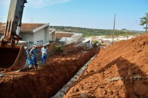 Nova travessa e ampliação de galeria pluvial eliminarão ponto de alagamento em Umuarama
